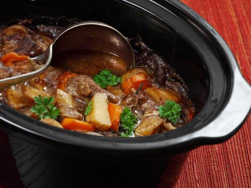 Slow cooker crock pot cooking food